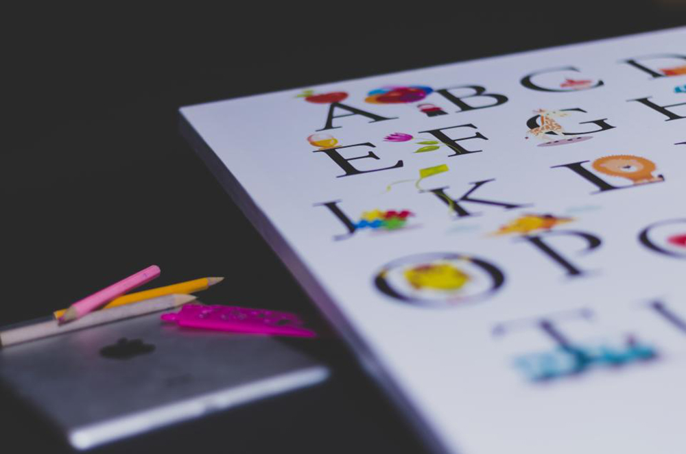 小孩所擁有的「模仿力」和「想像力」,就是研究化學的大絕招。資料來源|StockSnap.io by Olu Eletu