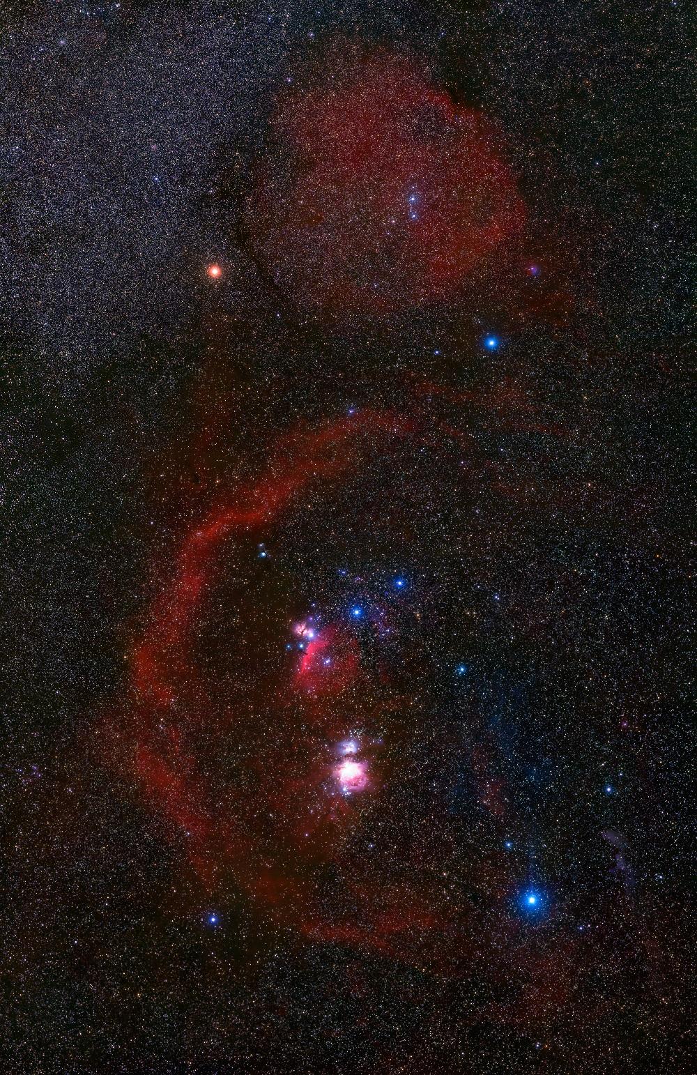 王為豪不但是專業天文學家,也是天文攝影的專家。圖為王為豪拍攝的獵戶座,為 18 幅 馬賽克,總曝光時間 27 小時。 攝影│王為豪