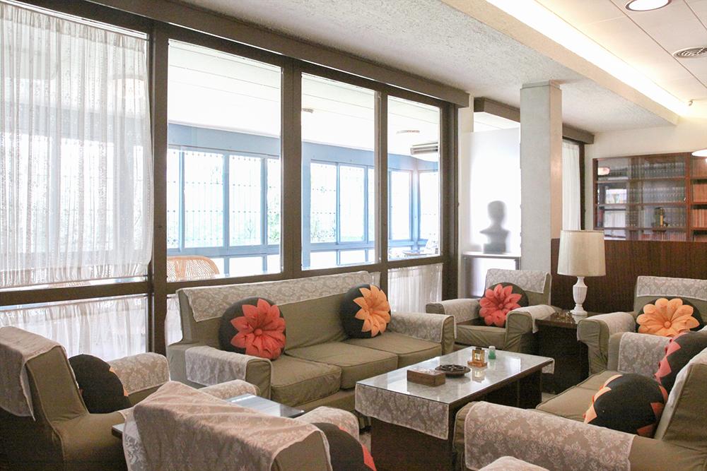 胡适故居客厅的空间设计,保留了当时最新颖的风格。摄影│张语辰