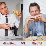 吃飯時,你是煩惱一堆的 Mind Full ,還是享受當下滋味的 Mindful ?圖說設計│林婷嫻、張語辰