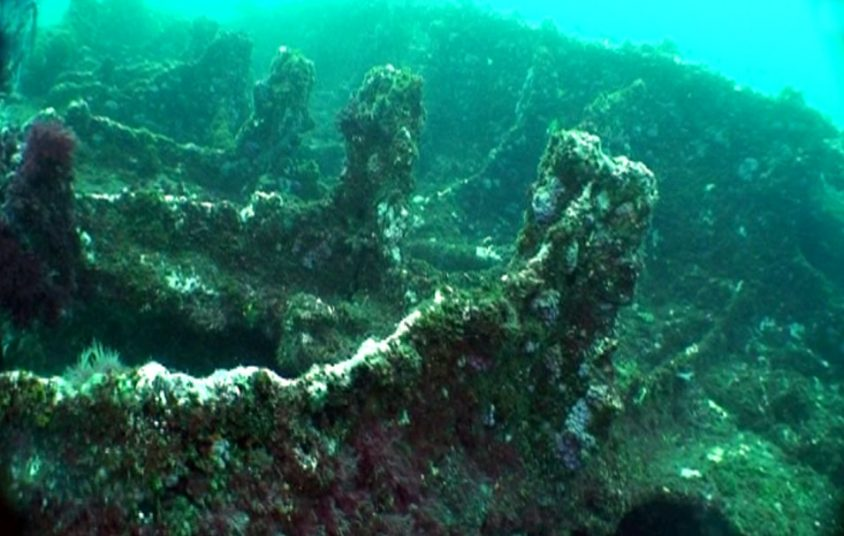 日本運輸船山藤丸的水中殘骸。圖│臧振華提供