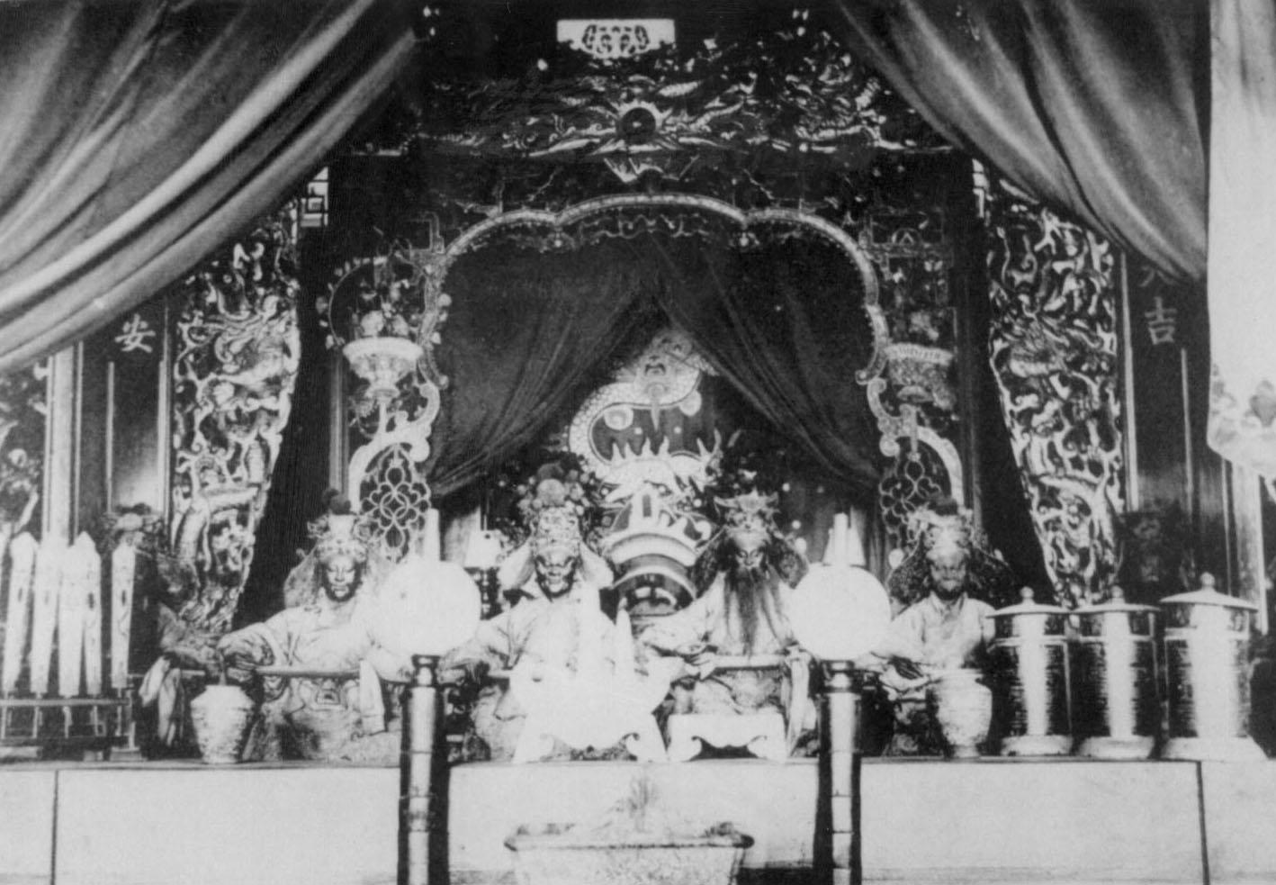 日治時期台南西來庵王爺的神像,也就是五瘟神。圖片來源│康豹提供