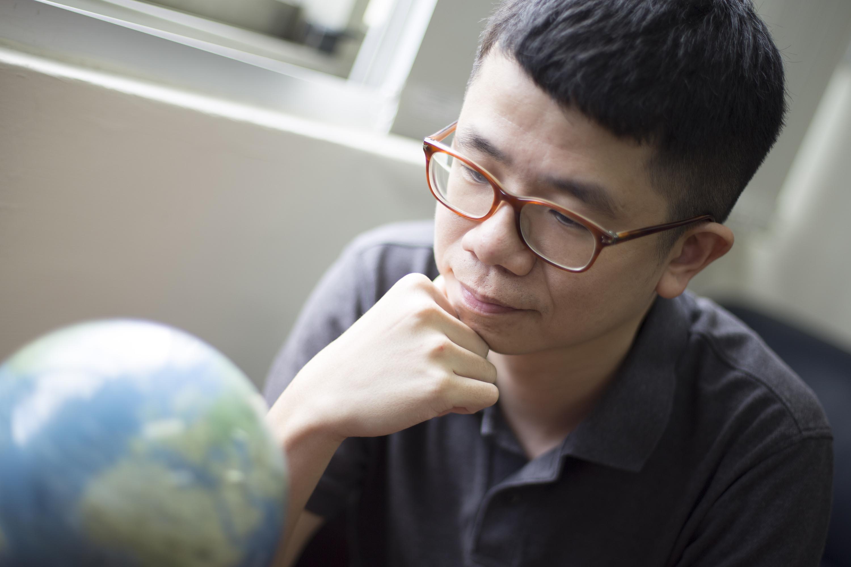 「有些人會說臺灣是鬼島,但臺灣不是沒有希望」楊子霆靦腆地說。圖│研之有物
