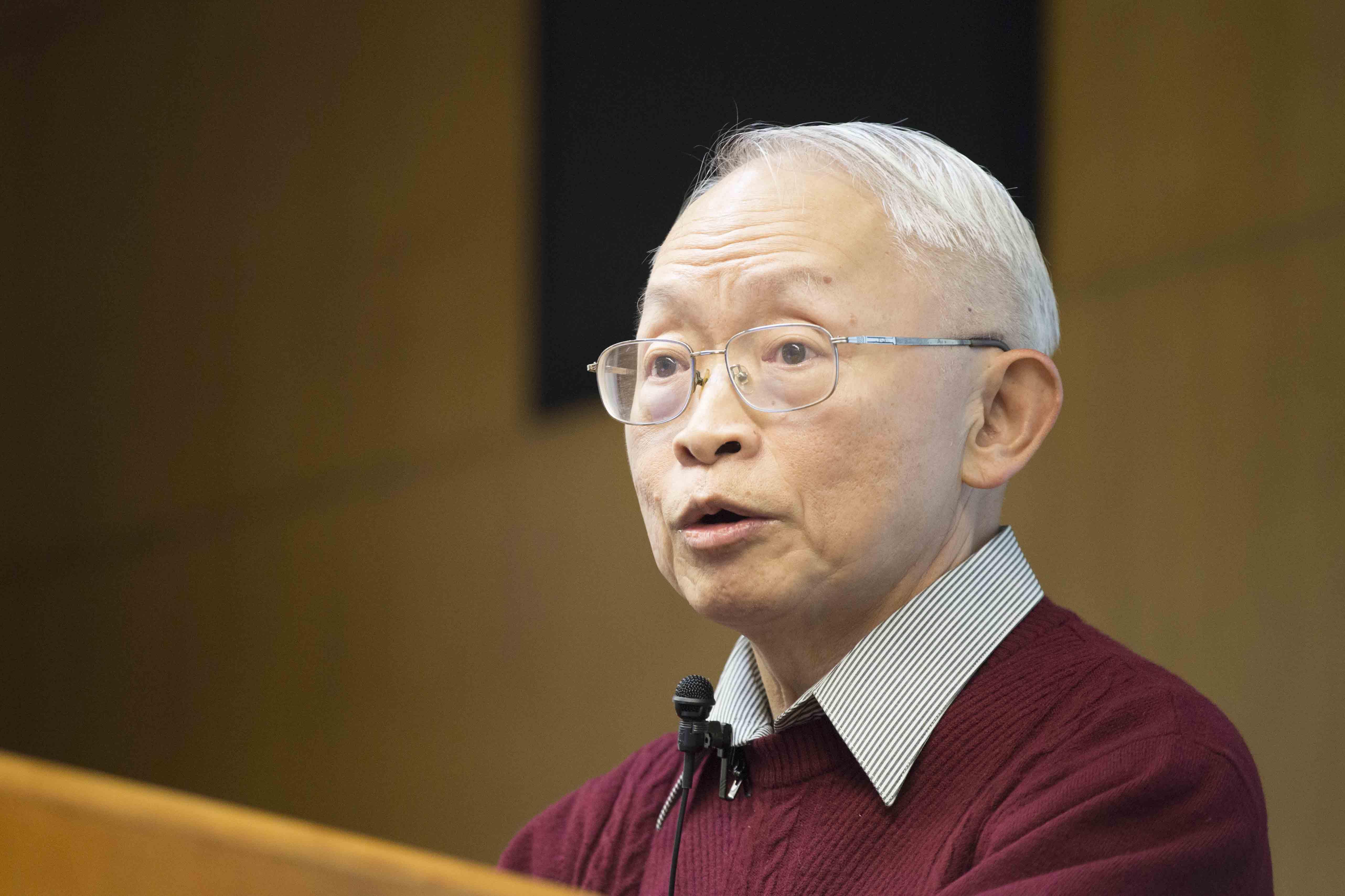 李琳山是臺灣研究語音技術的先行者,也是全球研究華語語音技術的拓荒者,一路看著「華語語音技術」由誕生、成長到茁壯。 攝影│張語辰