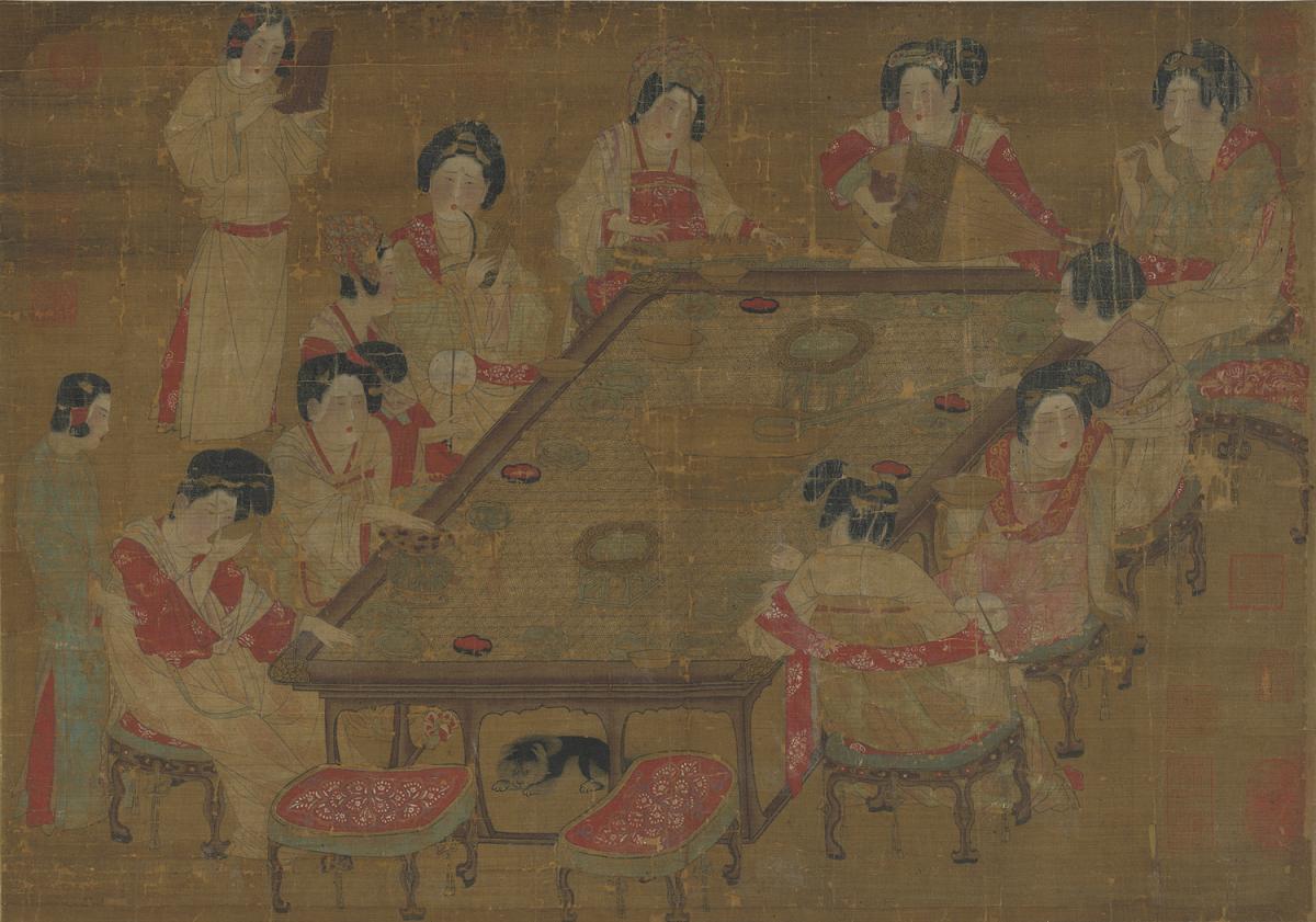 晚唐時尚是什麼樣?猶如這幅《唐人宮樂圖》所現,多樣的髮型、繃竹蓆的長方案、琵琶橫持彈奏方式等細節。圖│故宮 OPEN DATA 專區