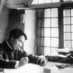毛澤東在延安寫作,攝於 1938 年。資料來源│維基百科