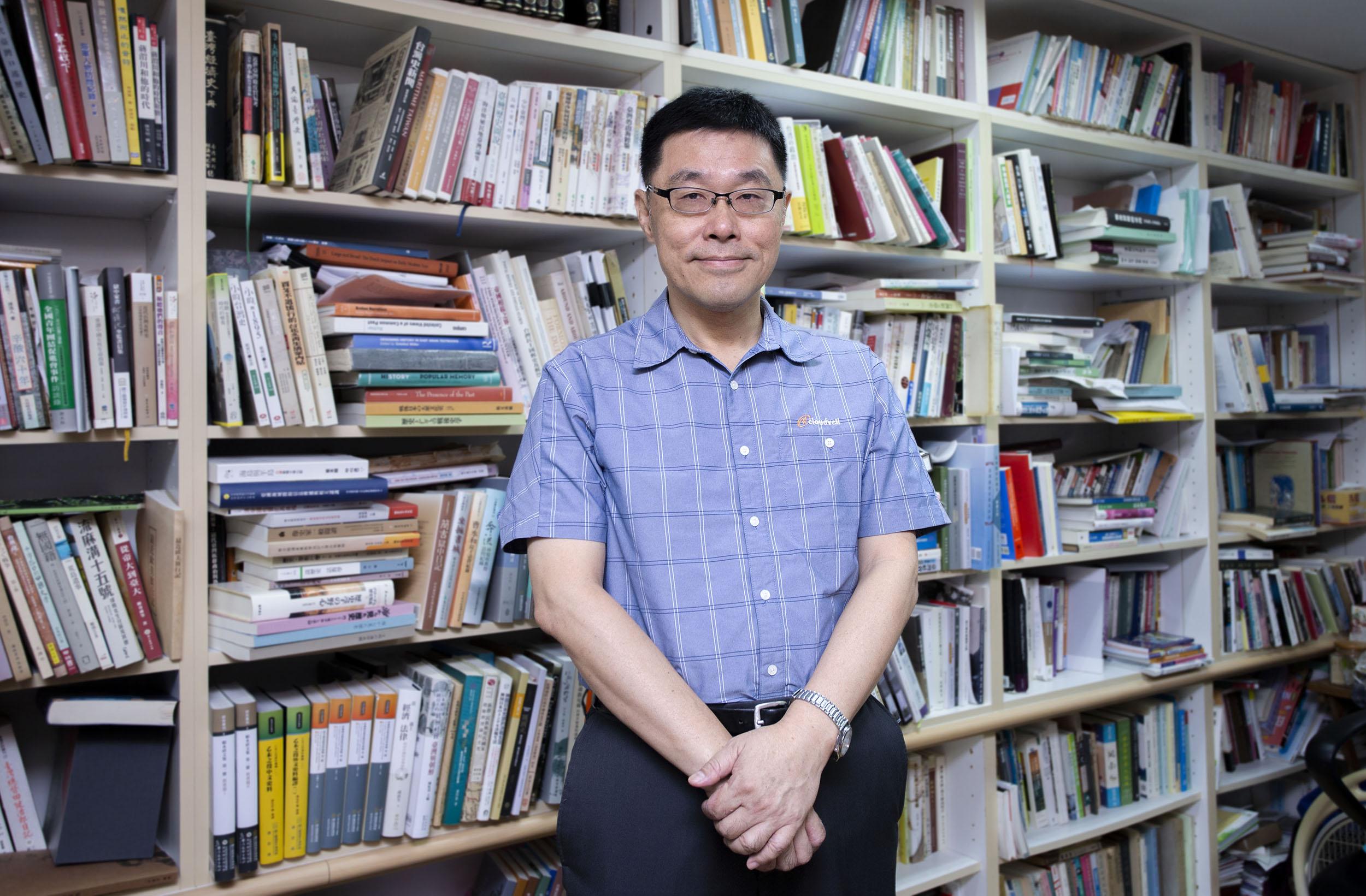 從歷史記憶、文化資產的探討,到公共歷史的知識傳播,張隆志認為臺灣仍有許多發展空間,他很期待未來能參與更多博物館、文資合作,從歷史人文角度促進更多公共對話。攝影│林洵安