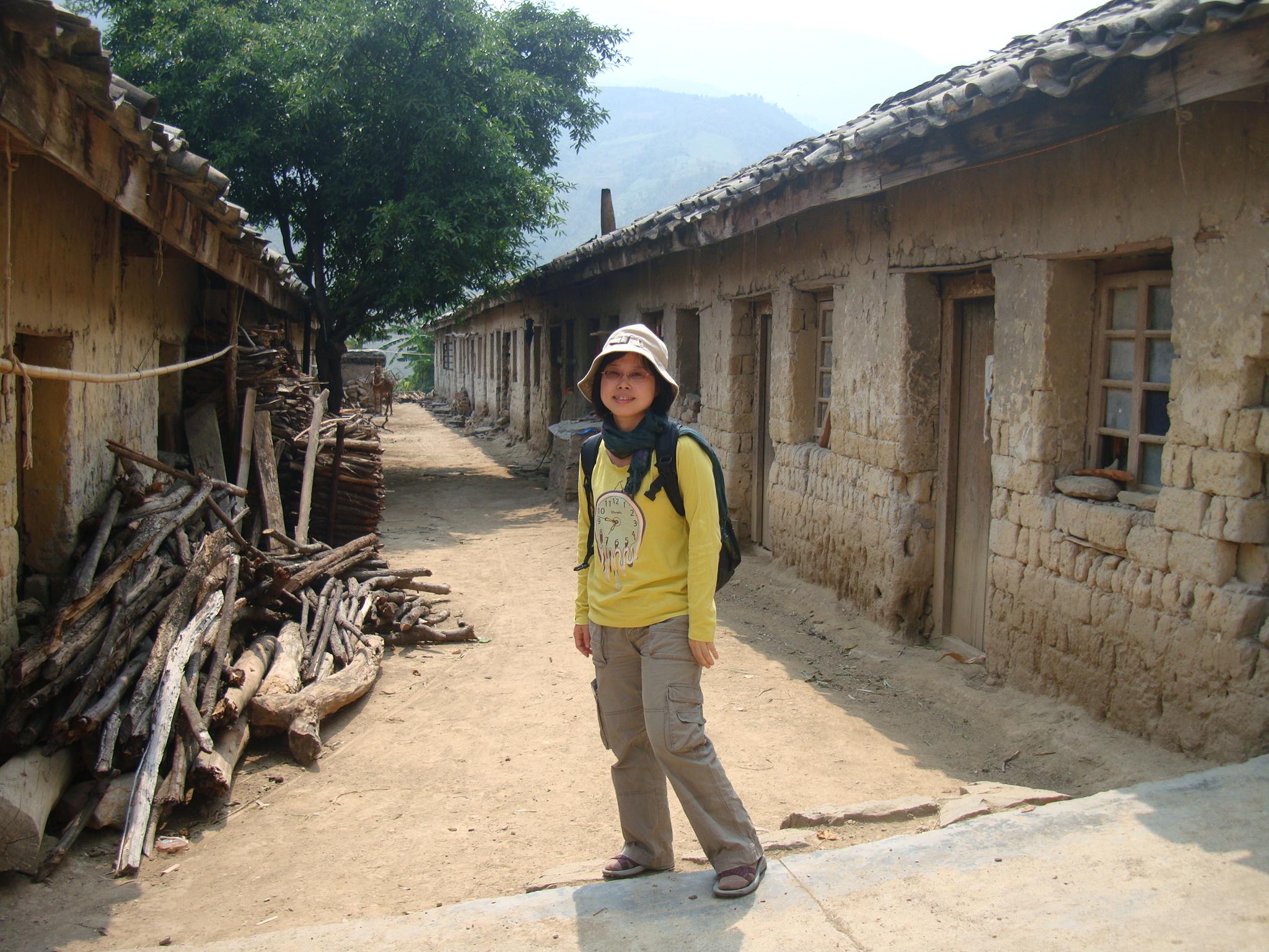 劉紹華親身走訪中國麻風村進行田野研究。長年的研究中,麻風病人的生命韌性帶給她無數感動,她也從麻風醫生與救助者身上,看見可貴的人性。圖│劉紹華