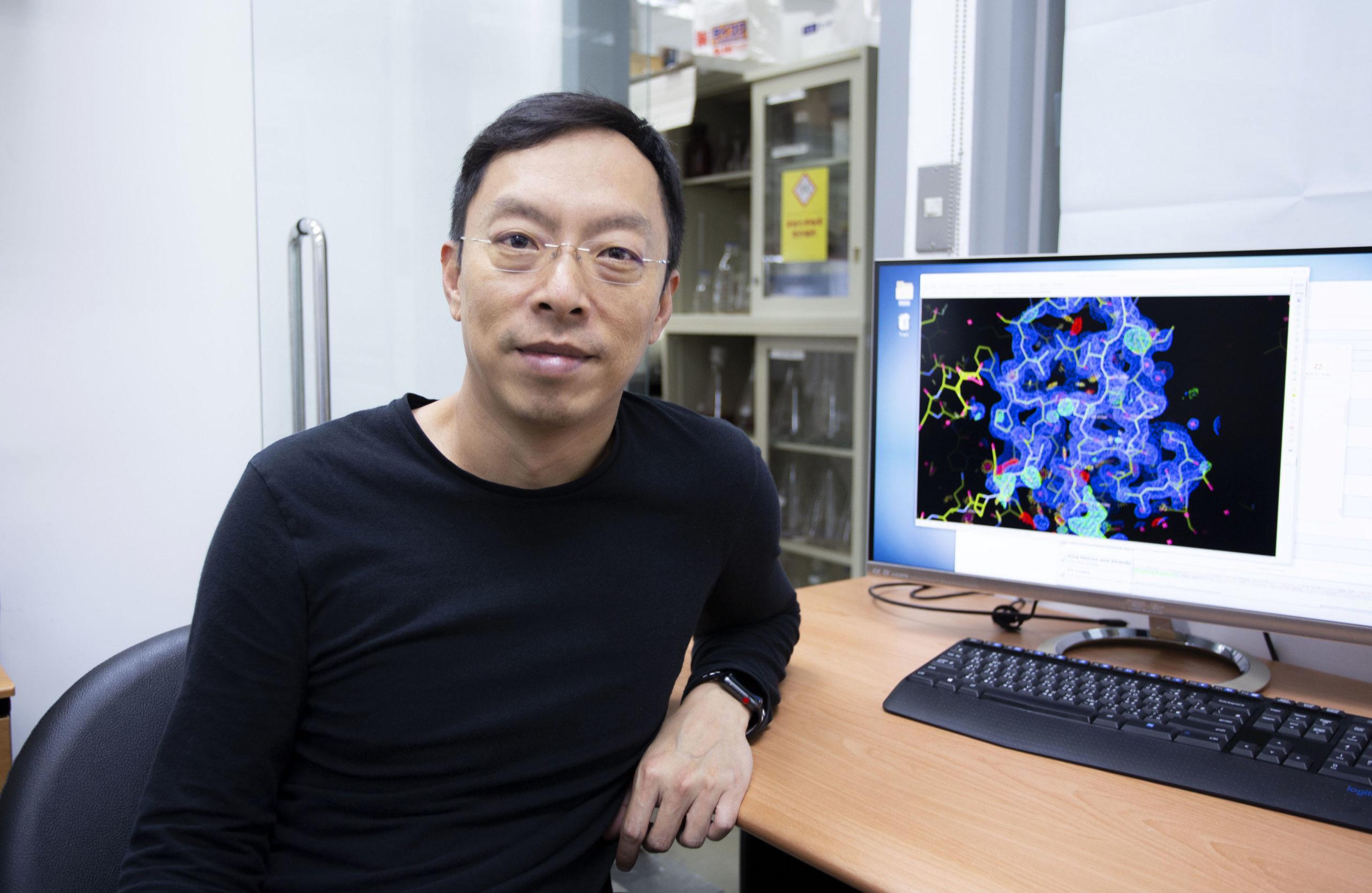 馬徹,中研院基因體研究中心研究員暨化學生物學組執行長,為翁啟惠院士領導研究團隊重要成員,致力於開發廣效性流感疫苗。圖│研之有物