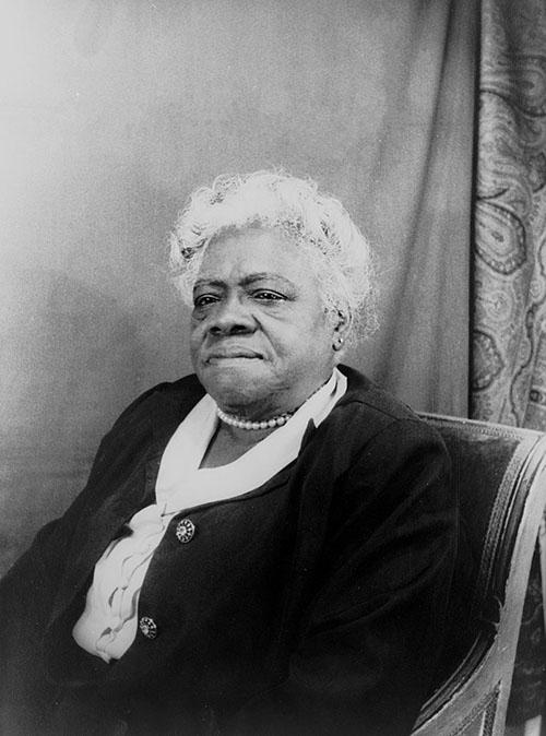 瑪莉‧貝舒除了是優秀的教育家,也是社會運動者,更被列為美國最偉大的女性之一。她擔任「黑人女性全國聯盟」董事會主席時,積極參與公共事務,後來被舉薦投入羅斯福總統「新政」,發揮實質影響力。圖│Wikipedia