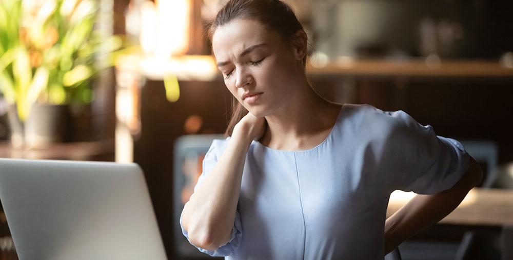 纖維肌痛症是一種很常見卻又神秘的疼痛病。在成年人中,約有 2~6% 的人罹患此病,特徵是慢性廣泛性肌肉疼痛,並伴隨疲勞、失眠、焦慮和憂鬱,嚴重影響病人的生活品質,甚至導致失能。圖│iStock
