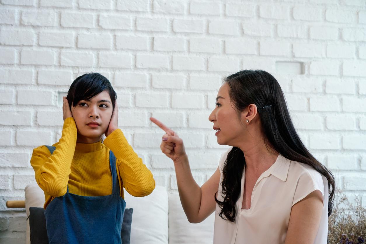 親子衝突是臺灣家庭最常見的困擾。部分原因是,在強調和諧、孝道的文化傳統下,青少年和父母難以建立對等的溝通模式,寧可選擇避開問題、減少爭執。圖│iStock